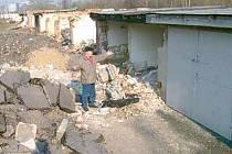 Zdevastované garáže v Ostravě-Svinově