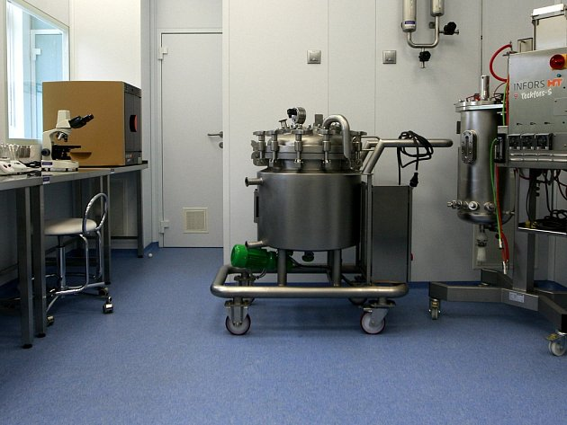 Unikátní vědecké pracoviště bylo otevřeno v areálu biotechnologického parku 4Medical Innovations ve Fakultní nemocnici v Ostravě-Porubě.