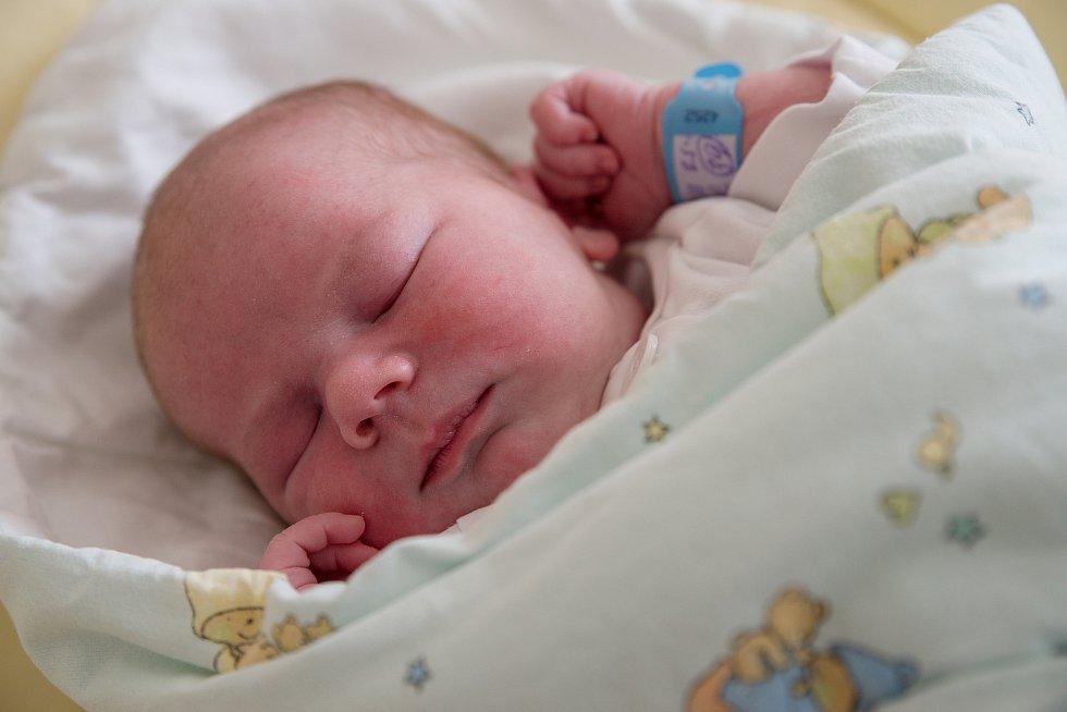 Samuel Zajac z Chotěbuze, narozen 18. března 2021 v Karviné, míra 53 cm, váha 4190 g. Foto: Marek Běhan