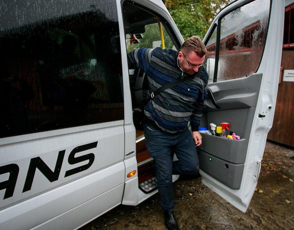 Debata v rámci projektu Deník-bus s volebními lídry za Moravskoslezský kraj. Na snímku Lubomír Volný, SPD