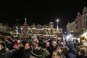 Vánoce v Ostravě. Ilustrační foto z rozsvícení vánočního stromu na Masarykově náměstí v centru města, 2. prosince 2018.