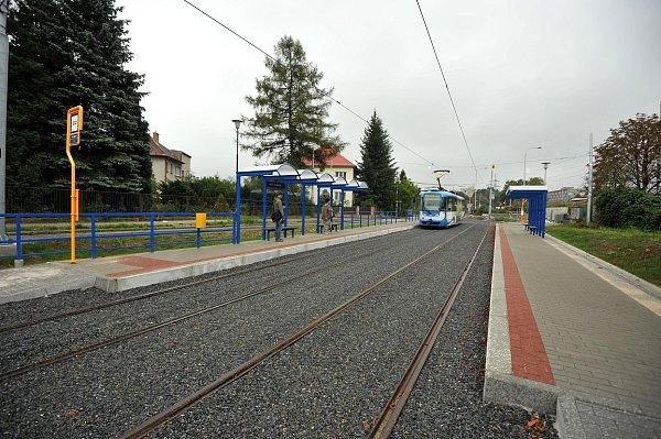 15. Linka stímto číslem jezdí od neděle mezi zastávkami Dubina Interspar a Výškovice.