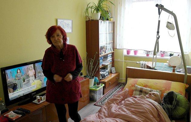 Manželé vkategorií seniorů 80+ zOstravy-Hrabůvky, paní Terezia je po obou vakcínách, ale pan Milan má zatím smůlu.