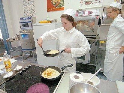 Udělat omeletu, aniž by se trhala, není rozhodně jednoduché.
