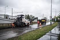 Cestáři tento týden začali opravu frekventované Výškovické ulice v 1,2 kilometru dlouhém úseku od Ostravar Arény po Shopping Park ve směru na Zábřeh.