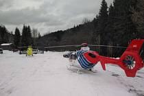V lyžařském středisku v Jeseníkách zasahovaly souběžně dva záchranářské vrtulníky.