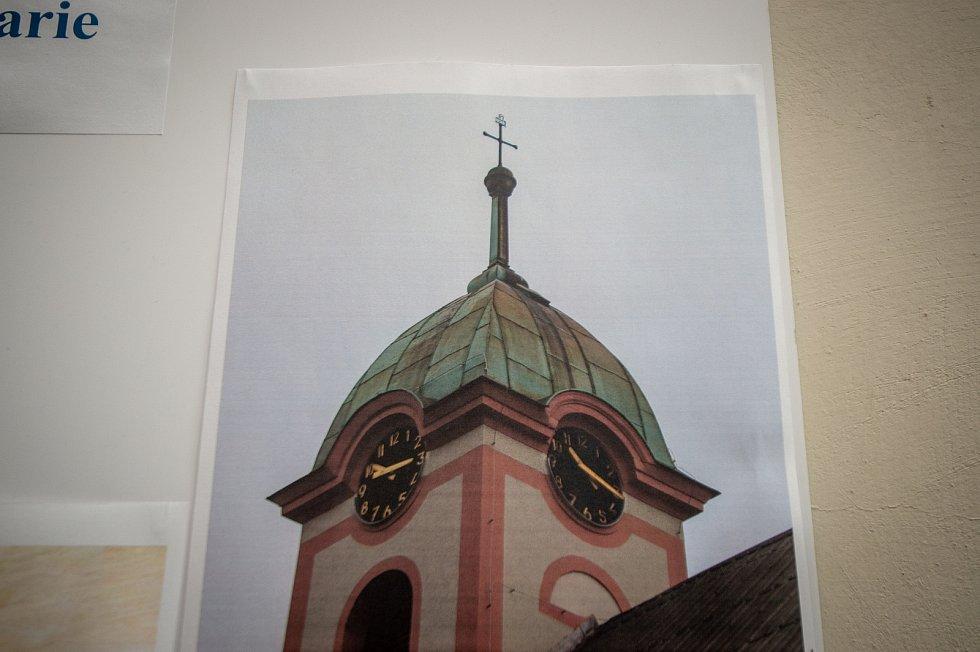 Otevření časové schránky která se našla v kostele Navštívení Panny Marie v Zábřehu, 5. března 2020 v kostele Svatého Ducha v Ostravě. Kostele Navštívení Panny Marie v Zábřehu kde byla nalezena časová schránka v kopuli věže.
