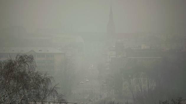 Smog v Ostravě v neděli 7. 12. 2014.