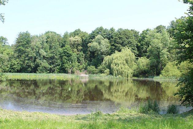 Písečný rybník na hranici Klimkovic.
