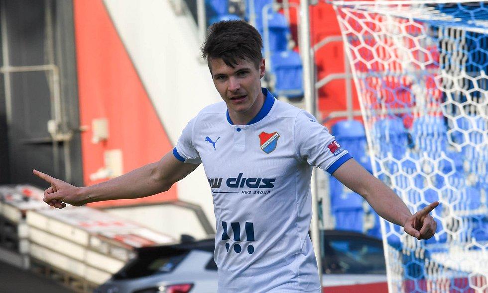 Fotbalisté Baníku Ostrava odehráli v sobotu 15. května 2021 utkání 32. ligového kola se Zlínem. Domácí záložník David Buchta slaví vítězný gól.