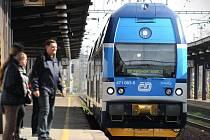 V pondělí 13. dubna dorazily k mošnovskému letišti první vlaky. Nové spojení budou kromě cestujících využívat i firmy z mošnovské průmyslové zóny.