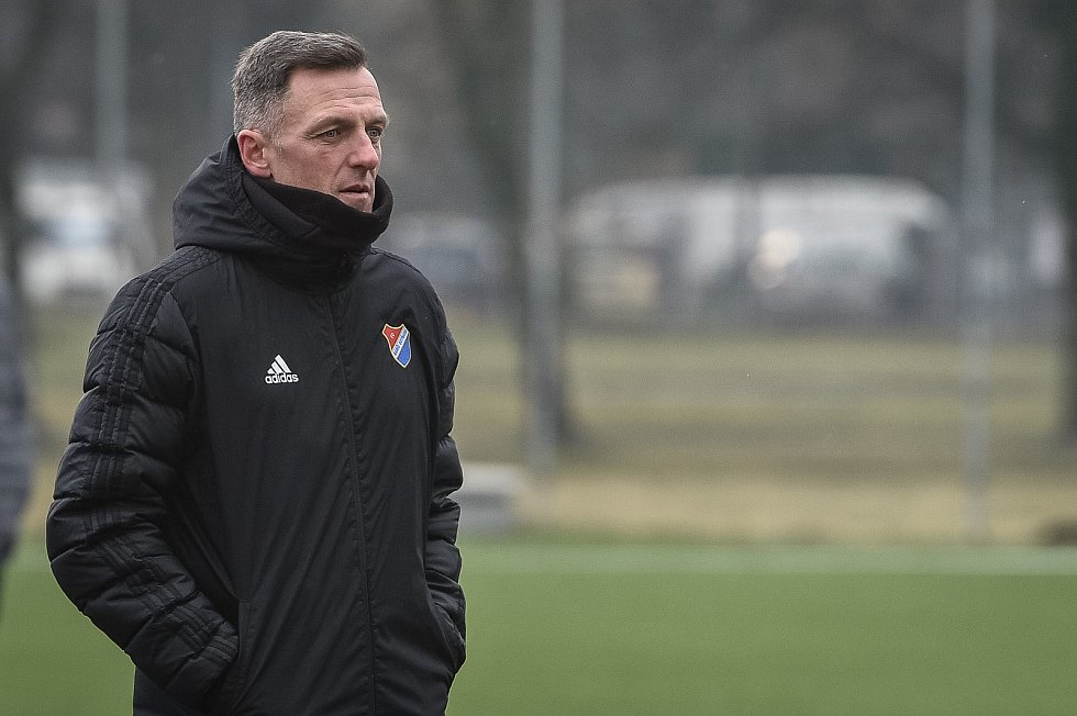 Přpravné utkání, FC Baník Ostrava - Přerov, 10. ledna 2020 v Ostravě. Na snímku trenér Baníku Luboš Kozel.