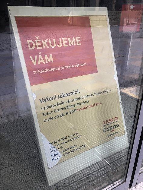 Zavřený obchod Tesco Expres vcentru Ostravy, snímek z28. zaří 2017vOstravě.