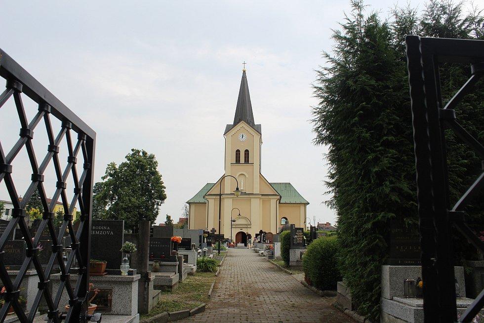 Kostel Nanebevzetí Panny Marie v Třebovicích.