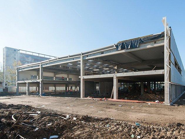 Vývojové a servisní centrum má být dokončeno na začátku příštího roku.