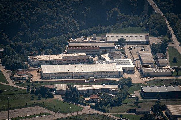 Pohled na sklad Gran Moravia které se nachází ve městě Cogollo del Cengio zmísta Paù Saddle, 12.srpna 2021vCaltrano vprovincii Vicenza, Benátsko, Itálie.