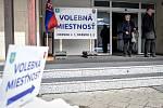 Parlamentní volby na Slovensku, 29. února 2020 v Makově. Na snímku volební místnost, okrsek č. 1.