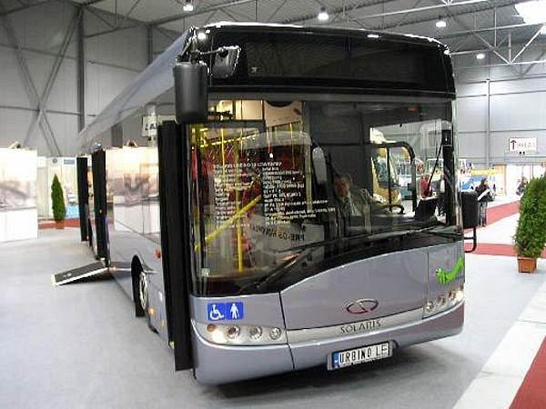 Nízkopodlažní autobus Solaris