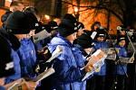 Akce Deníku Česko zpívá koledy v ostravském obvodu Jih, u kulturního domu K-TRIO, středa 12. prosince 2018.
