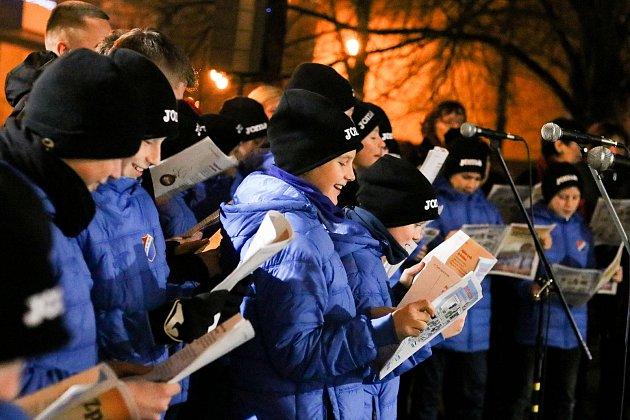 Akce Deníku Česko zpívá koledy vostravském obvodu Jih, ukulturního domu K-TRIO, středa 12.prosince 2018.