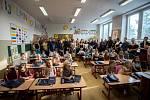 První školní den prvňáčků ZŠ gen. Z. Škarvady v Ostravě-Porubě, pondělí 3. zaří 2018.