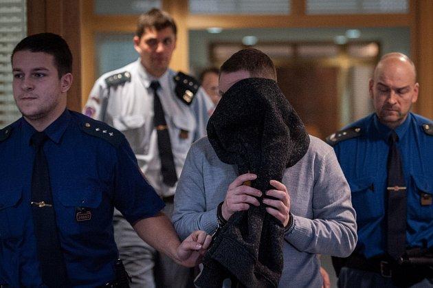 Jan S. se v úterý u soudu k přepadení přiznal a projevil lítost.