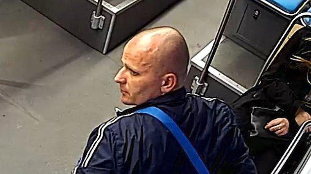Krádež v tramvaji