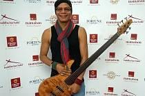 Jazzový baskytarista Fernando Saunders