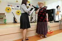 Ve třech disciplínách se v polovině týdne utkaly adeptky na titul Miss Senior. Soutěž pořádal Domov pro seniory Kamenec ve Slezské Ostravě. Společenské akce se zúčastnili také klienti domovů pro seniory z Polska a z Orlové.