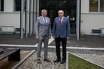 Ředitel Fakultní nemocnice Ostrava MUDr. Jiří Havrlant (vlevo) a  děkan Lékařské fakulty Ostravské univerzity doc. MUDr. Arnošt Martínek CSc. (vpravo).