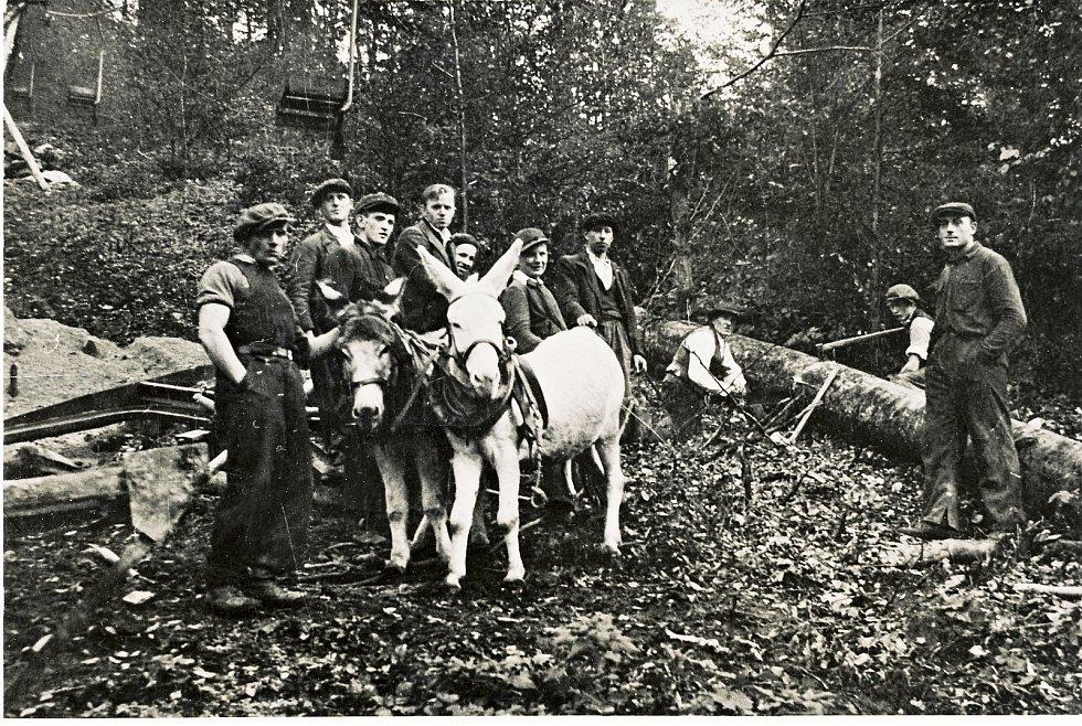Rekonstrukce podpěr lanovky na Pustevny v roce 1940.