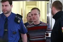 Jedenadvacetiletý Daniel Kytrych je obžalován z pokusu o vraždu taxikáře.