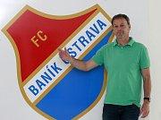DUŠAN VRŤO v pozici sportovního ředitele v Baníku Ostrava zatím rozhodně neoslnil. To, co stačilo na práci v Senici, v klubu s pětadevadesátiletou tradicí rozhodně nestačí.