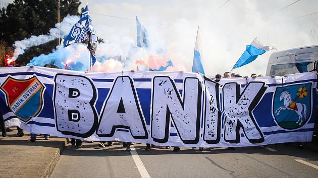 Ilustrační foto. Pochod fanoušků Baníku.