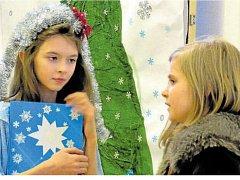 TYRŠOVADLO, divadelní soubor ZŠ Tyršova 913 ve Frenštátě pod Radhoštěm, i letos potěšil školáky a předškoláky s pohádkou.