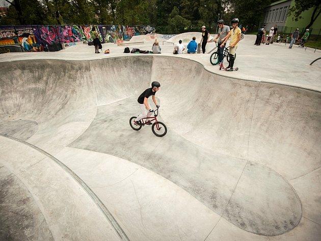 Nový bikepark v areálu skateparku ve Lvovské ulici v Ostravě-Porubě.