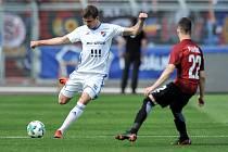 Utkání 26. kola první fotbalové ligy: Baník Ostrava - Sparta Praha, 28. dubna 2018 v Ostravě. Na snímku (vlevo) Breda Petr a Plavšic Srdan.