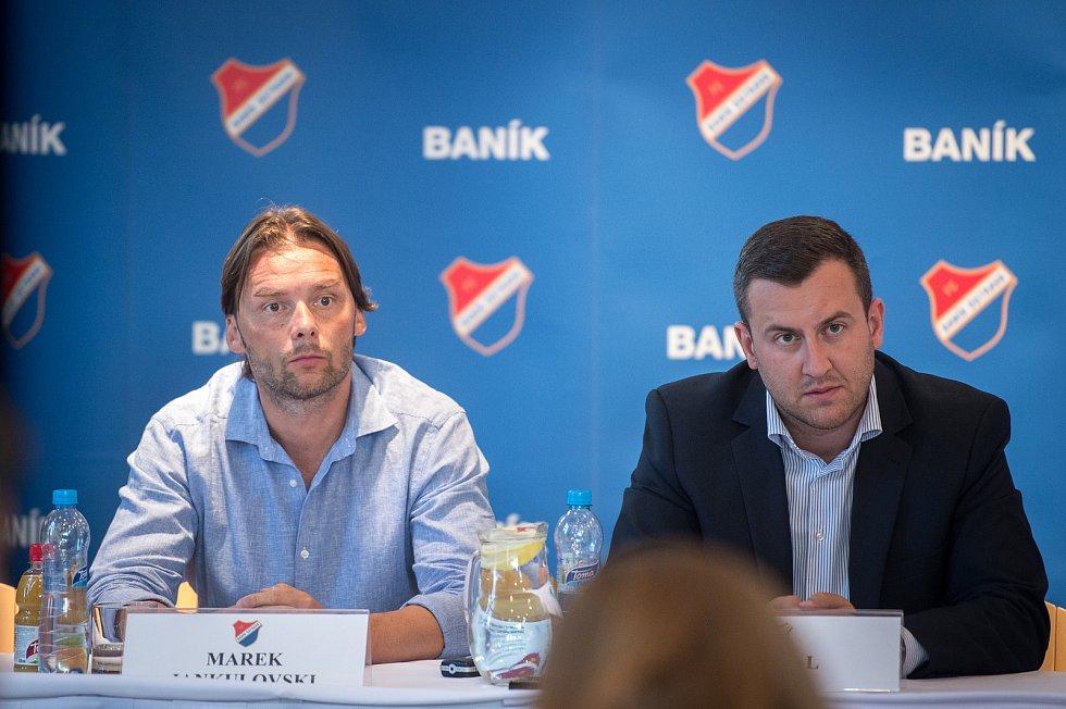 Předsezonní tisková konference FC Baník Ostrava, 10. července 2019 v Ostravě. Na snímku Marek Jankulovski a  Michal Bělák.