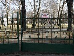 Zavírat v nočních hodinách hned dva místní parky se rozhodli radní v Ostravě Vítkovicích. Snímek ze Sada Jožky Jabůrkové.