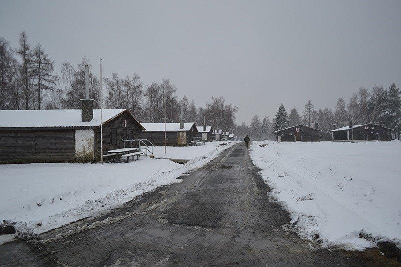 Srubový tábor ve Vojenském výcvikovém prostoru Libavá