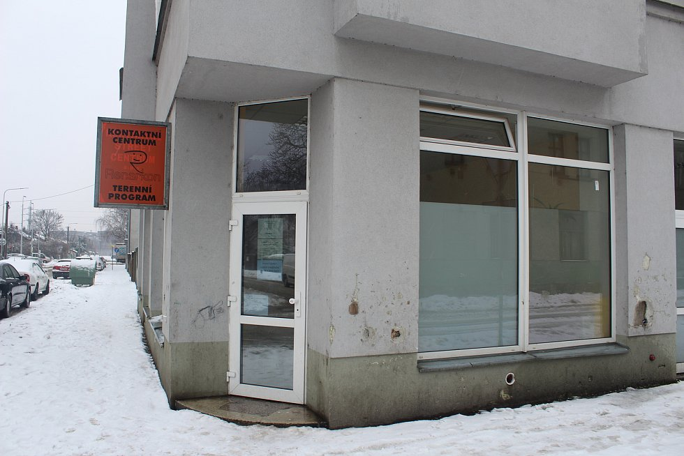 Kontaktní centrum společnosti Renarkon na nároží ulic Zengerovy a Tavičské.