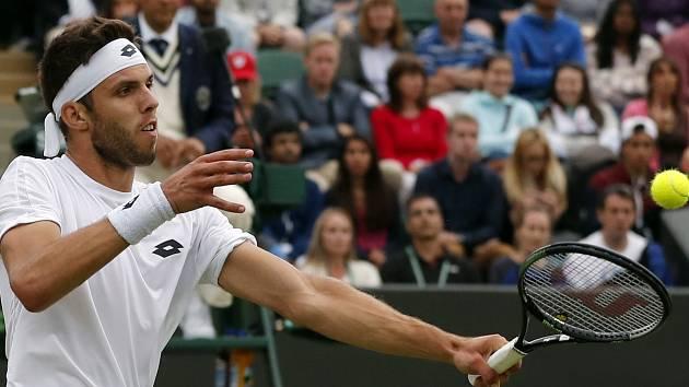 Český tenista Jiří Veselý bude při absenci Tomáše Berdycha jedničkou daviscupového výběru ve čtvrtfinále s Francií. Na snímku během úspěšného tažení Wimbledonem, kde došel až do 4. kola.