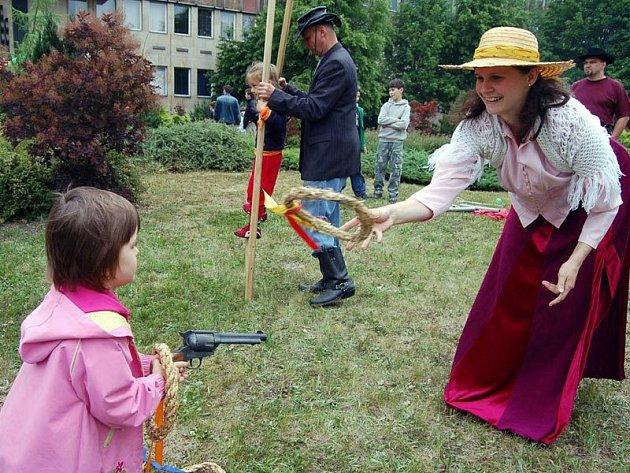 Westernový den si u dětmarovické elektrárny uživaly hlavně děti