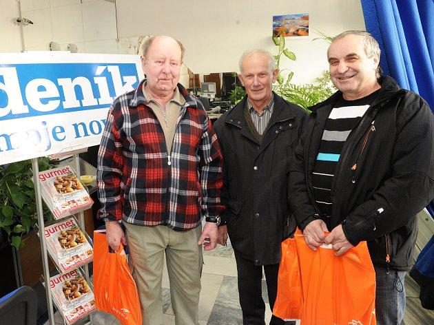 Vítězové soutěže Deníku prožijí Den hutníka. Zprava Vladimír Tvrdek, Jan Walach a Ladislav Hudec