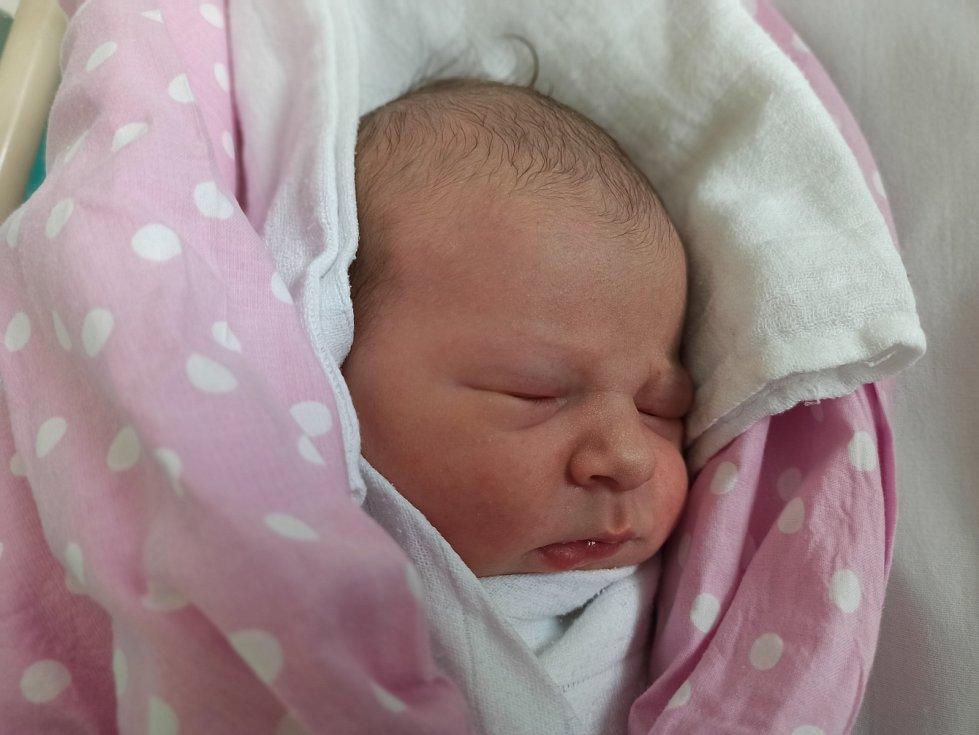 Olivie Piscová, Ropice narozena 19. dubna 2021 v Třinci míra 52 cm, váha 3084 g. Foto: Gabriela Hýblová