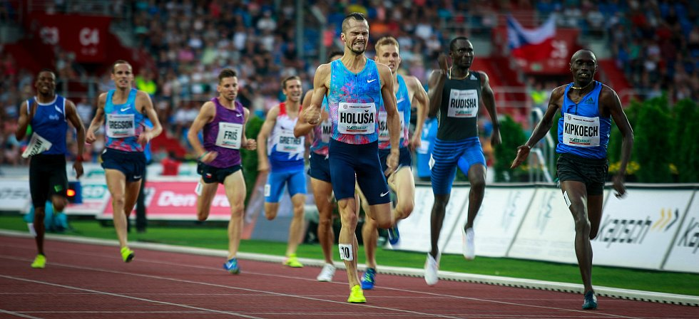 56. ročník atletického mítinku Zlatá tretra, který se konal 28. června 2017 v Ostravě. Na snímku závod mužů na 1000m.
