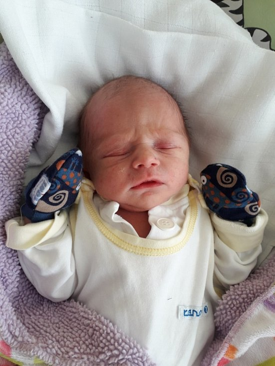 Štěpán Rek z Havířova, narozen 11. dubna 2021 v Havířově, váha 2940 g, míra 50 cm. Foto: Michaela Blahová
