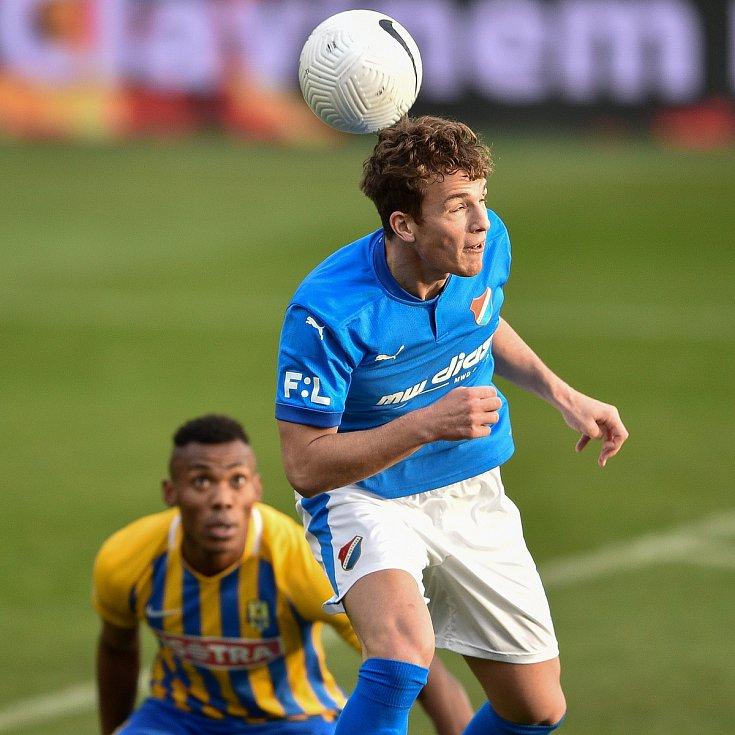 Utkání 10. kola první fotbalové ligy: SFC Opava - FC Baník Ostrava, 5. prosince 2020 v Opavě. Ondřej Šašinka z Ostravy.