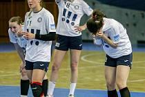 Utkání play off v házené o třetí místo, kdy DHC Sokol Poruba nakonec podlehla Olomouci.