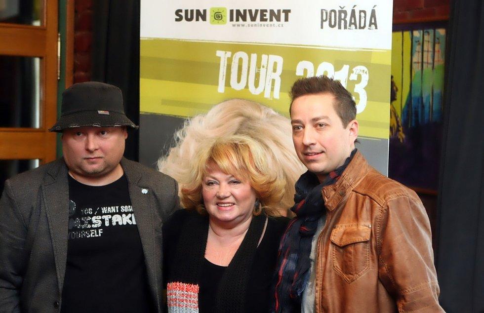 Věra Špinarová na setkání s novináři u příležitosti nadcházejícího turné po České republice.